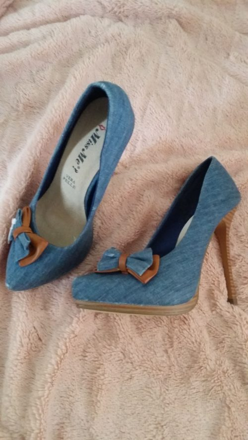 pumps blauw strik