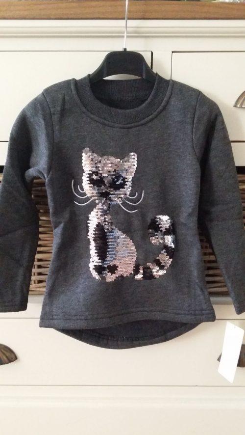 sweater donkergrijs met omkeerbare pailletten poes