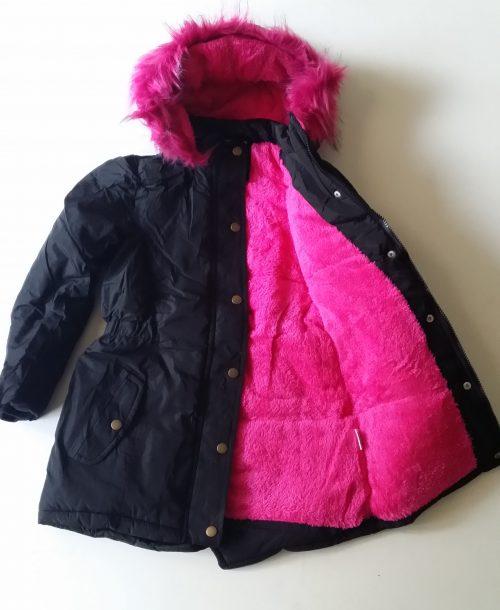 winterjas zwart met roze bontvoering