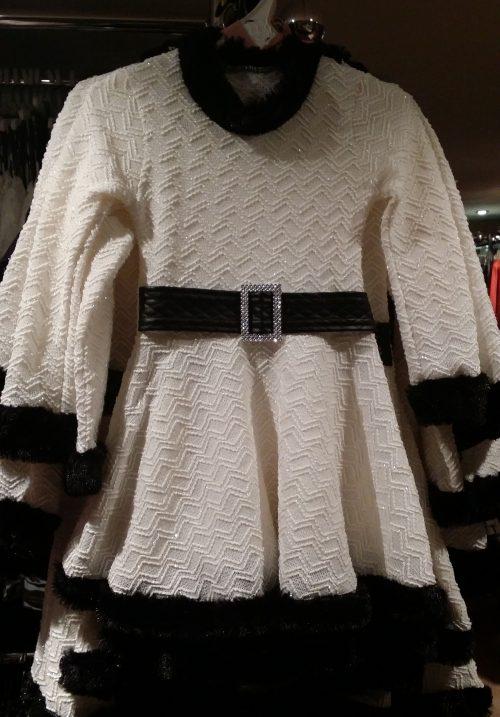 jurk glitter offwhite Leuk jurkje in wit met bontranden in zwart - GRATIS VERZENDING - BETAAL VEILIG MET IDEAL - OPHALEN MOGELIJK artikelnummer mj2120