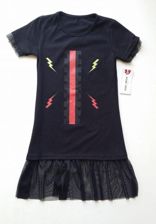jurk zwart met tule Leuk jurkje zwart met zwarte tule aan de onderkant en langs de korte mouwen Bedrukte print Materiaal 95% katoen 5% elasthan - BETAAL VEILIG MET IDEAL - OPHALEN MOGELIJK nr.mj2466
