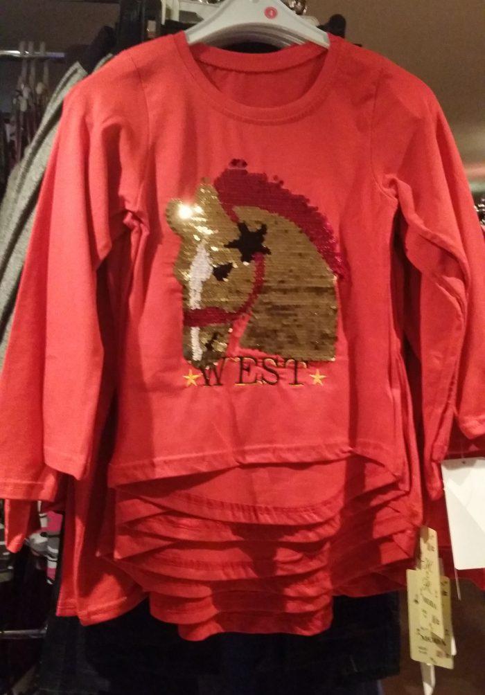 shirt pailletten paard rood Mooi shirt met applicatie van een paard 95% katoen 5% elasthan - GRATIS VERZENDING - BETAAL VEILIG MET IDEAL - OPHALEN MOGELIJK