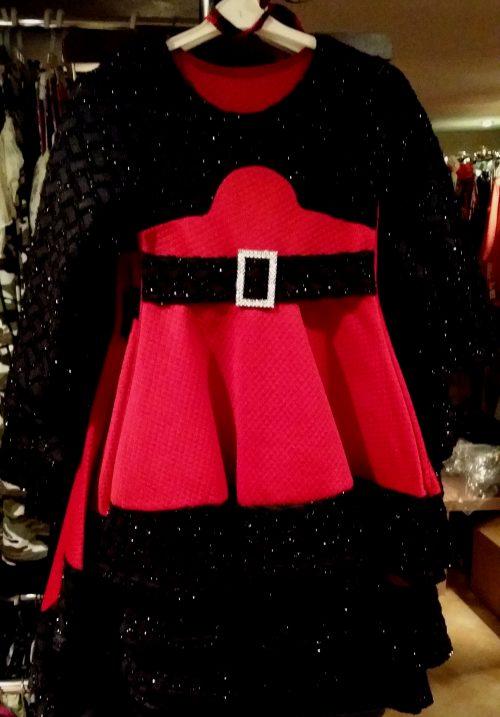 jurk chic bordeaux Mooi jurkje in bordeaux Op de mouwen en aan de bovenkant zwarte stof met glitters - BETAAL VEILIG MET IDEAL - OPHALEN MOGELIJK