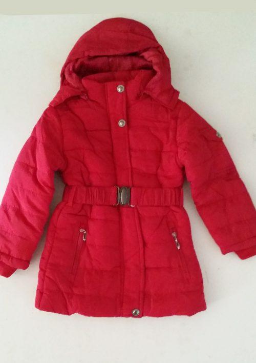 winterjas rood met afneembare capuchon Lekkere warme jas gevoerd met imitatie bont De capuchon kan eraf gehaald worden en is ook gevoerd met imitatie bont  - BETAAL VEILIG MET IDEAL - OPHALEN MOGELIJK nr.mjs1033