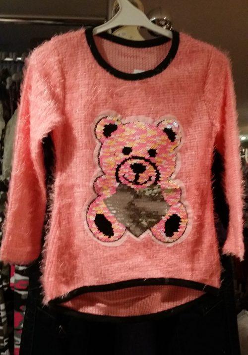 fluffy trui zalm met omkeerbare pailletten beer Leuke trui met applicatie van toverpailletten beer Wrijf over de beer en deze wordt een andere kleur Materiaal: 95% polyester 5% elasthan - GRATIS VERZENDING - BETAAL VEILIG MET IDEAL - OPHALEN MOGELIJK nr.ms2040