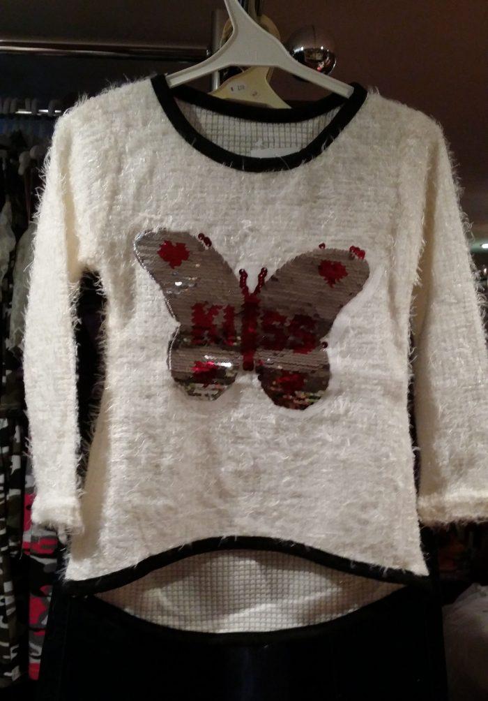 fluffy trui white met omkeerbare pailletten vlinder Leuke trui met applicatie van toverpailletten vlinder Wrijf over de vlinder en deze wordt een andere kleur Materiaal: 95% polyester 5% elasthan - GRATIS VERZENDING - BETAAL VEILIG MET IDEAL - OPHALEN MOGELIJK nr.ms2044