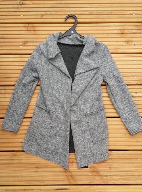 vest perfect grey Trendy vest van mooie kwaliteit met bedrukte applicatie op de achterkant Materiaal: 95% polyester 5% elasthan  - BETAAL VEILIG MET IDEAL - OPHALEN MOGELIJK artikelnummer mv1134