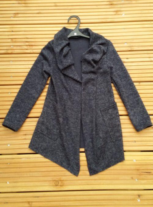 vest perfect donkerblauw Trendy vest van mooie kwaliteit met bedrukte applicatie op de achterkant Donkerblauw Materiaal: 95% polyester 5% elasthan - BETAAL VEILIG MET IDEAL - OPHALEN MOGELIJK artikelnummer mv1137