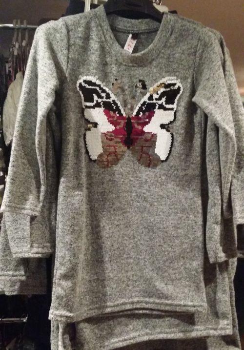 jurk vlinder met omkeerbare pailletten grijs Mooi wollig jurkje met applicatie van een vlinder met toverpailletten - GRATIS VERZENDING - BETAAL VEILIG MET IDEAL - OPHALEN MOGELIJK nr.zv1023l