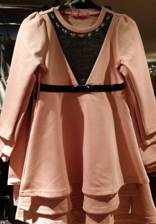jurk zalmroze Mooi jurkje in zalm roze met lak bies in de taille Langs de hals mooie siersteentjes - BETAAL VEILIG MET IDEAL - OPHALEN MOGELIJK nr. mj2496