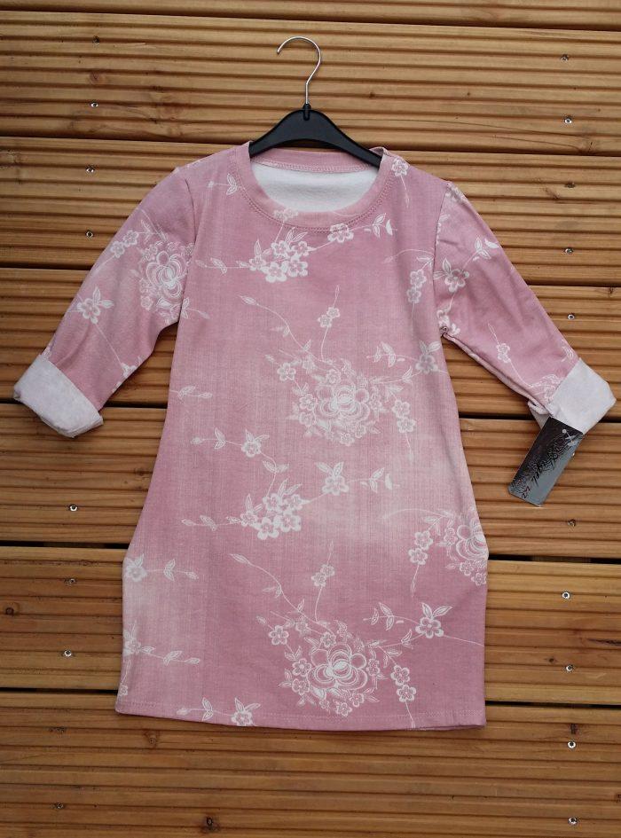 denim flower jurk roze Leuk jurkje in denimroze met print van bloemen Het jurkje heeft steekzakken 95% katoen 5% elasthan - BETAAL VEILIG MET IDEAL - OPHALEN MOGELIJK artikelnummer mj1971