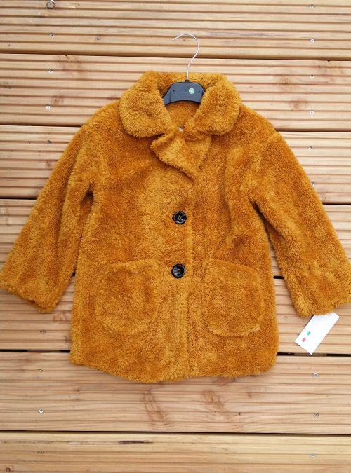 bontjas met zakken okergeel Hippe teddy jas van imitatiebont in okergeel met zakjes voorop - BETAAL VEILIG MET IDEAL - OPHALEN MOGELIJK artikelnummer mjs1017