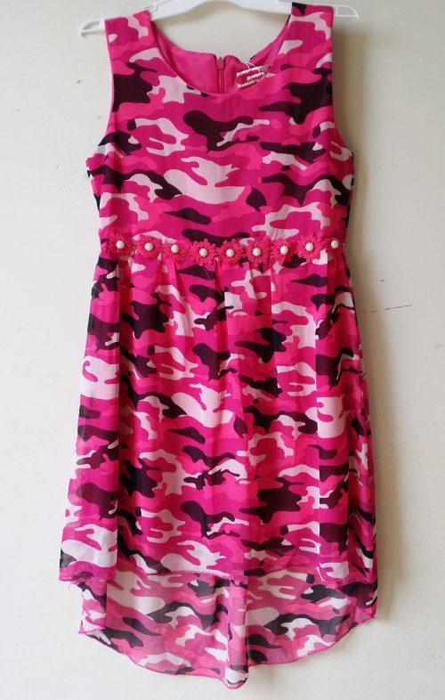 army jurk roze Leuk camouflage jurkje die aan de voorkant korte is dan aan de achterkant Met pareltjes en bloemetjes nr.f1073