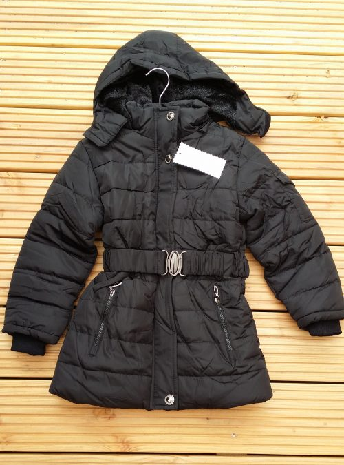 winterjas black met afneembare capuchon Lekkere warme jas gevoerd met imitatie bont De capuchon kan eraf gehaald worden en is ook gevoerd met imitatie bont  - BETAAL VEILIG MET IDEAL - OPHALEN MOGELIJK nr.mjs1034