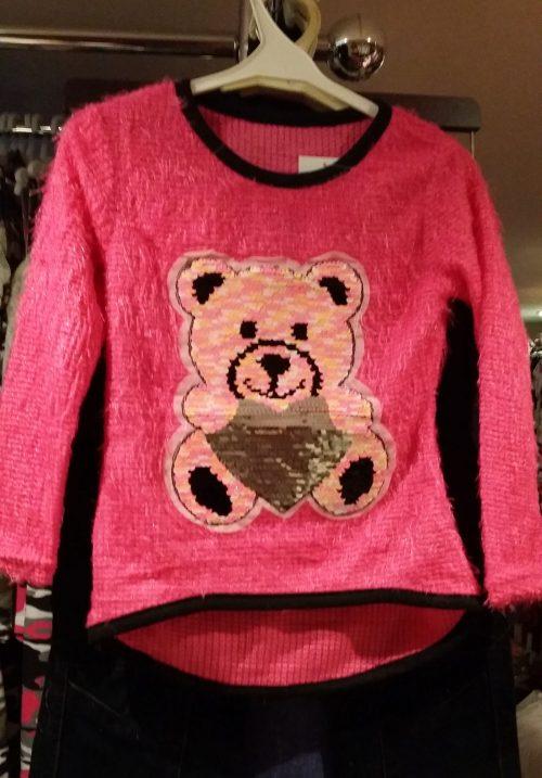fluffy trui fluor met omkeerbare pailletten beer Leuke trui met applicatie van toverpailletten beer Wrijf over de beer en deze wordt een andere kleur Valt klein, advies is een maat groter, hou je van ruim dan 2 maten groter Materiaal: 95% polyester 5% elasthan  - BETAAL VEILIG MET IDEAL