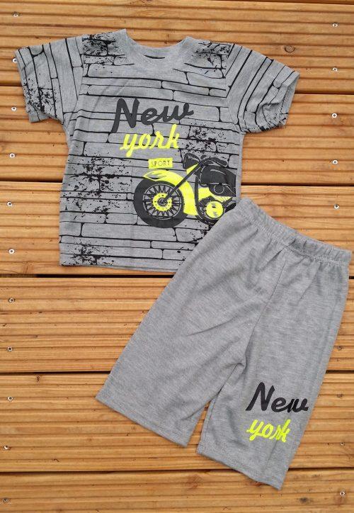 Complete set bestaande uit korte broek met shirt grijs Stoere set met korte broek en shirt met leuke print Ophalen of verzenden nr. d3002gr